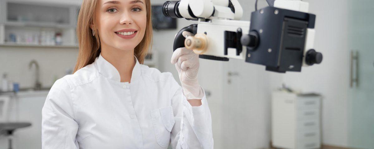 leczenie kanałowe pod mikroskopem w gabinecie stomatologicznym - kiedy potrzebne?